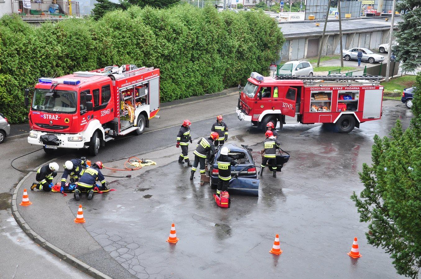 Pokaz akcji ratunkowej podczas III Pikniku Energetycznego w wykonaniu OSP Hucisko. Dziękujemy !